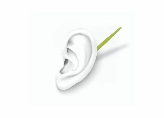 weißes Ohr mit grüner Antenne